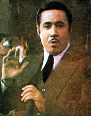 پرویز صیاد در نقش اسدالله میرزا در سریال دایی جان ناپلئون
